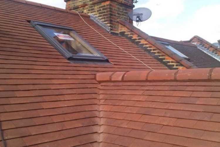nice roof repair on house in NG1 5